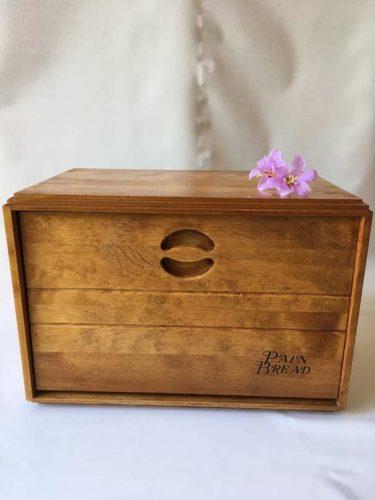 Comment entretenir une boîte à pain en bois?